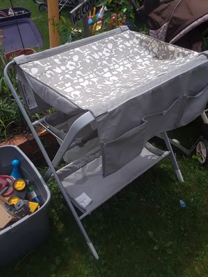 Diaper changing table for Sale in Maplewood, MN