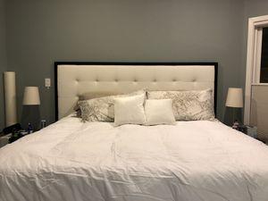 Tempurpedic mattress-king for Sale in Washington, DC