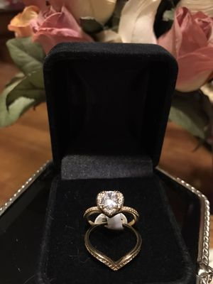 Gorgeous!! Gold Heart Shape Sapphire Diamond Stone Ring & Band set for Sale in Gainesville, VA