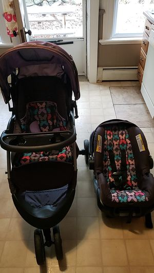 Baby Travel System (car seat and stroller) for Sale in Watertown, CT