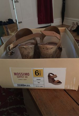 Uggs,Mossimo wedge Caparro's heels for Sale in St. Louis, MO