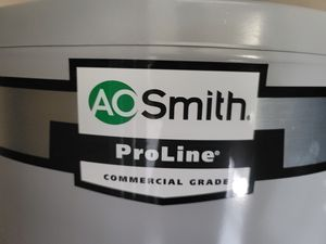 AO SMITH COMMERCIAL GRADE WATER HEATER for Sale in Upland, CA