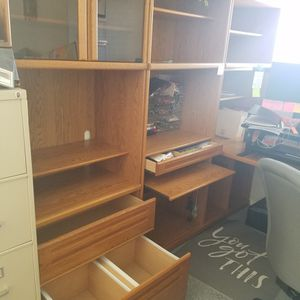 Nice Oak Desk With 3 Shelf Units for Sale in Albuquerque, NM