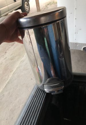 Mini stainless steal trash can for Sale in Kingsburg, CA