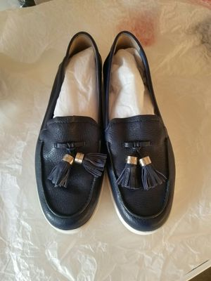 Authentic Michael Kors loafers size7 (new without tag) for Sale in Lincoln Acres, CA