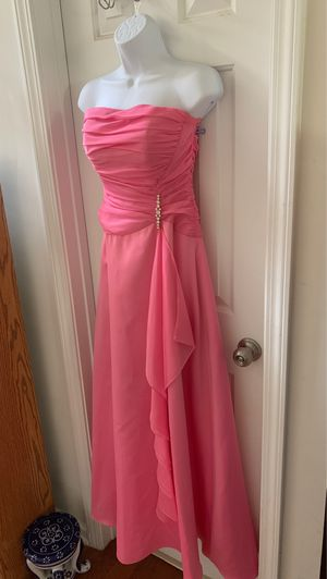 Pink dress long gown for prom or party , Like NeW for Sale in Cumming, GA
