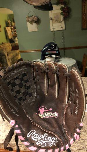 Softball glove for Sale in Lumberton, NJ