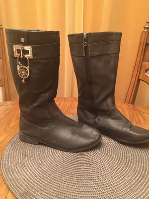 Michael Kors Girls Boots for Sale in Hampstead, MD