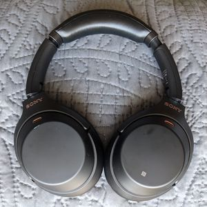 Sony WH-1000XM3 Wireless Noise-Canceling Headphones Bluetooth for Sale in Phoenix, AZ