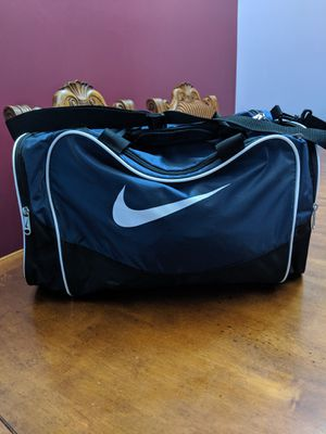 Nike blue duffle bag workout bag gym bag for Sale in Montgomery, IL