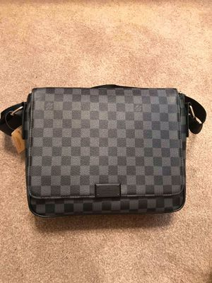 Louis Vuitton Crossbody Bag for Sale in Tampa, FL