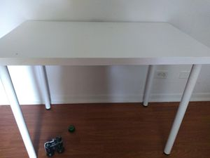 Computer table for Sale in Vernon Hills, IL