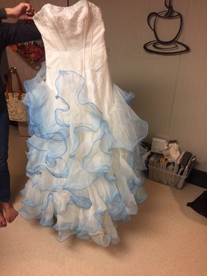 White w Blue prom dress. Size 8. for Sale in Bloomingdale, IL