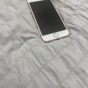 iPhone 6 :Rose Gold | 130 for Sale in Coachella, CA