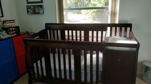 crib with changing table for Sale in Winter Haven, FL