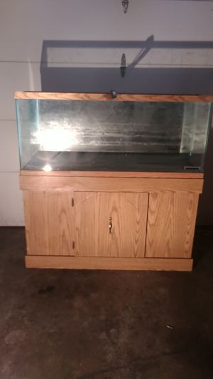 55 gal fish tank an stand for Sale in Saugus, MA