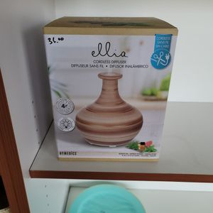 Ellia Cordless Diffuser for Sale in Baytown, TX