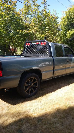 2007 chevy Silverado 2wd for Sale in North Bend, WA