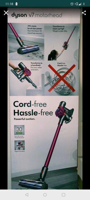 Dyson v7 Motorhead cordless vacuum for Sale in Paramount, CA