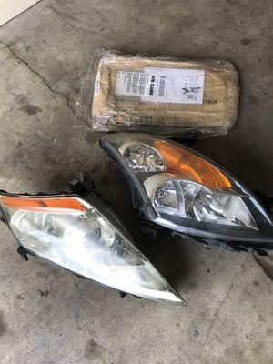 Nissan Murano head light for Sale in Lincoln, NE