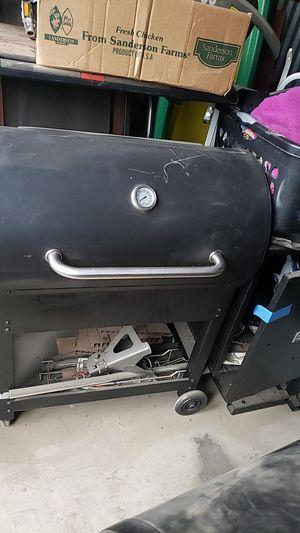 louisiana grill for Sale in Fresno, CA