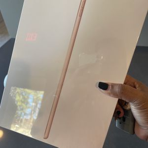 New iPad (Gold 32GB - Wi-Fi) for Sale in New York, NY