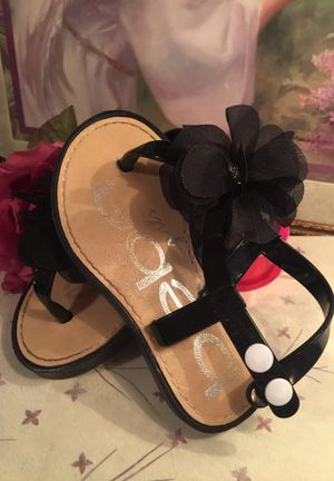 Designer little girls dress sandals plastic slip on with ankle strap black & white sweet frilly cloth flower euc pristine. Non skid sz7 for Sale in Northfield, OH