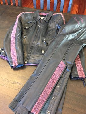 Harley Davidson women's leather set for Sale in Albuquerque, NM