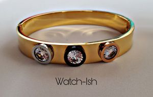 (NEW) Elegant and stylish womans bracelet for Sale in Revere, MA