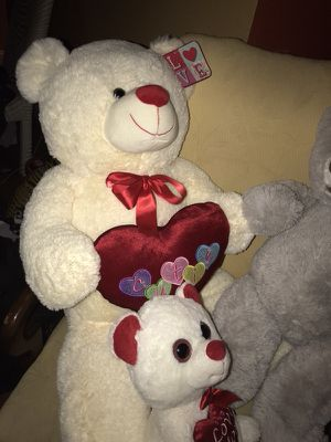 Valentine day teddy bears news for Sale in Beverly, NJ