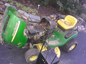 Jon deer riding lawn mower for Sale in Wyncote, PA
