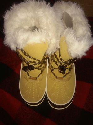 New Girl Sorel Winter boots size 3 for Sale in Philadelphia, PA