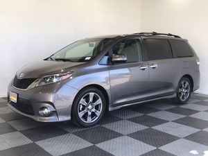 2017 Toyota Sienna for Sale in Riverside, CA