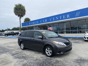 2011 Toyota Sienna for Sale in Kissimmee, FL