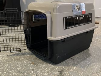 Petmate Ultra Vari Dog Kennel/Crate, Small for Sale in Tampa,  FL