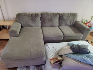 Couch for Sale in Fountain Valley, CA