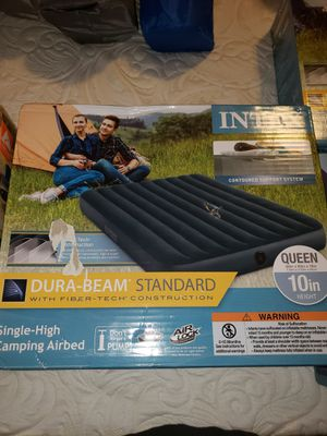Intex queen size airbed 10 in for Sale in Lisbon, ME