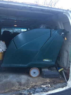 Falcon 2800 carpet/ floor scrubber cleaner for Sale in Clinton, MD