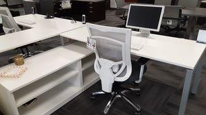 White L-Shape Desk w/Credenza Return for Sale in Tigard, OR