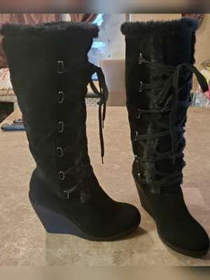 Black winter boots for Sale in Phoenix, AZ