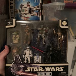 Disney Collectible Figures Star Wars for Sale in Windermere, FL