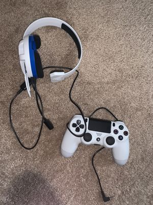 White ps4 controller and turtle beach headset for Sale in Glenarden, MD