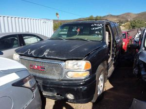 PARTING OUT 2000-2006 GMC YUKON DENALI XL for Sale in Los Angeles, CA