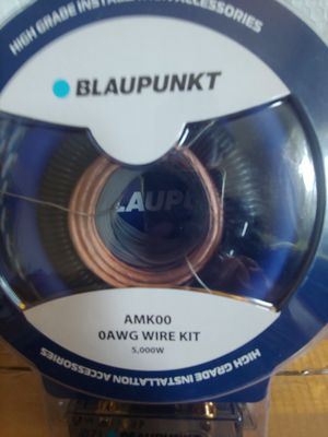 Car amplifier installation kit : BLAUPUNKT 0 age wire kit 5000 watts 17 ft blue power, speaker wire OFC rca jack ANL 150a fuse for Sale in Santa Ana, CA