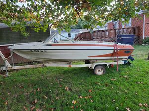 Older boat for sale, needs work, clear title for boat and trailer in hand. for Sale in Waynesboro, VA