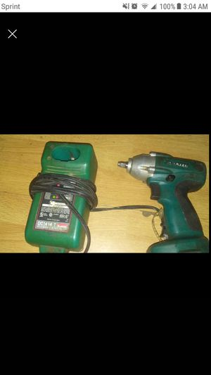 Makita 3/8 14.4 Cordless impact wrench for Sale in Columbus, OH