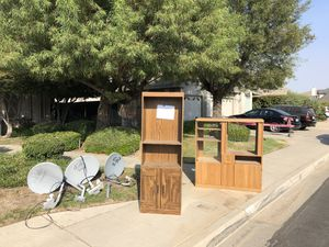 Dish Network Satellite Dishes and TV stand for Sale in Clovis, CA