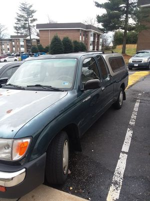 Toyota tacoma modelo 98 estándar 210,000 mill motor clean for Sale in Silver Spring, MD