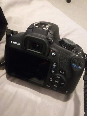 Canon EOS digital camera with bag for Sale in Buford, GA