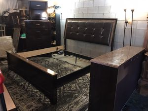 USED-KING size bedroom set😀NO Holds,No deliver,Not selling separate for Sale in Raleigh, NC